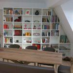 Bücherregal für Räume mit Dachschrägen