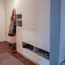 Garderobenschrank für den Flur in weiß nach Maß gefertigt